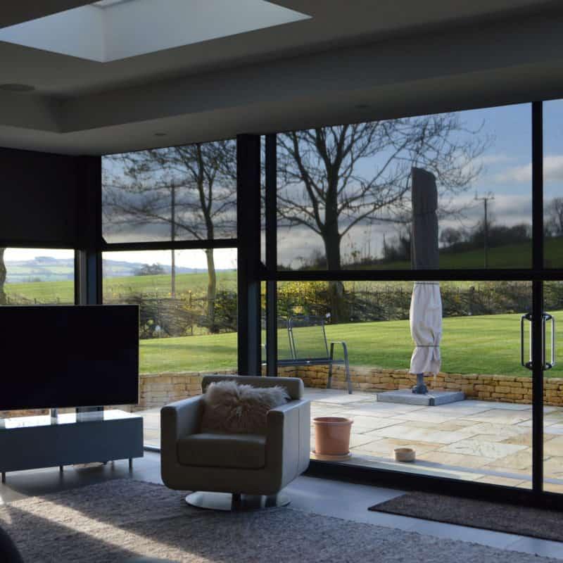 Phantom screens protecting sun glare